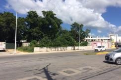 Renta de terreno sobre avenida Colosio cerca del hospital centro médico Campeche