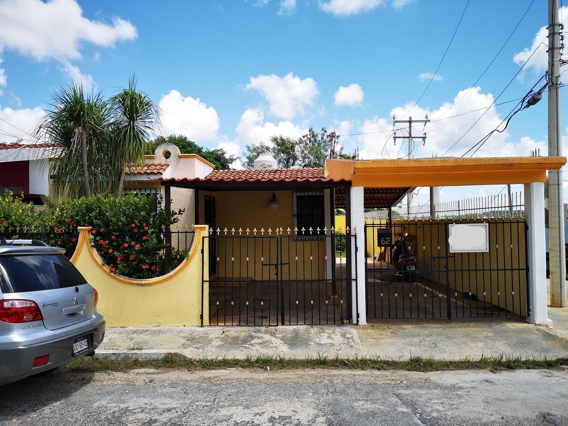 Venta de casa Laureles 2 a unos pasos de la Av. Lopez Portillo