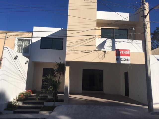 Venta de casa Col. Ignacion Zaragoza atrás del hotel U XUL KAH