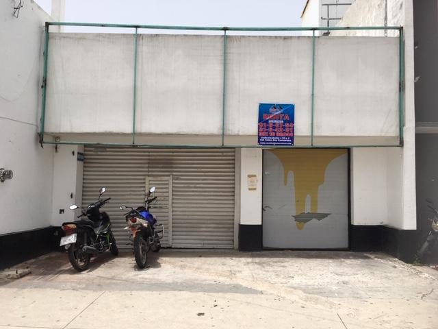 Renta Local comercial sobre avenida gobernadores frente Banamex y Chedraui