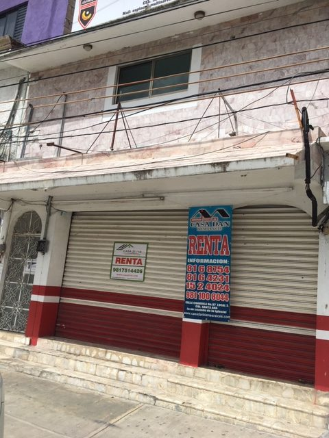Renta local Comercial Planta baja, Avenida central frente clínica campeche
